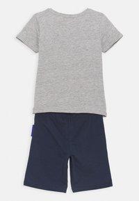 Lemon Beret - SMALL BOYS BERMUDA SET - Print T-shirt - grey melange - 1