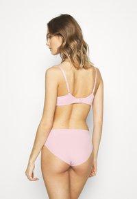 Calvin Klein Underwear - INFINITE FLEX - Underbukse - echo pink - 2