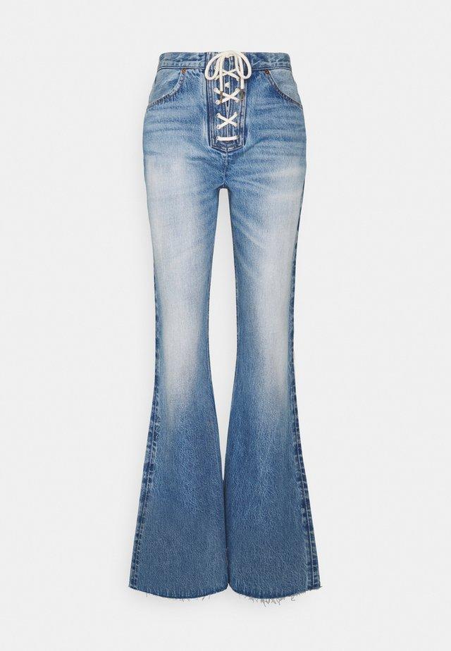 NINA - Flared Jeans - cottonwood creek