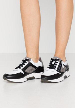 Sneakers laag - weiss/stone/schwarz