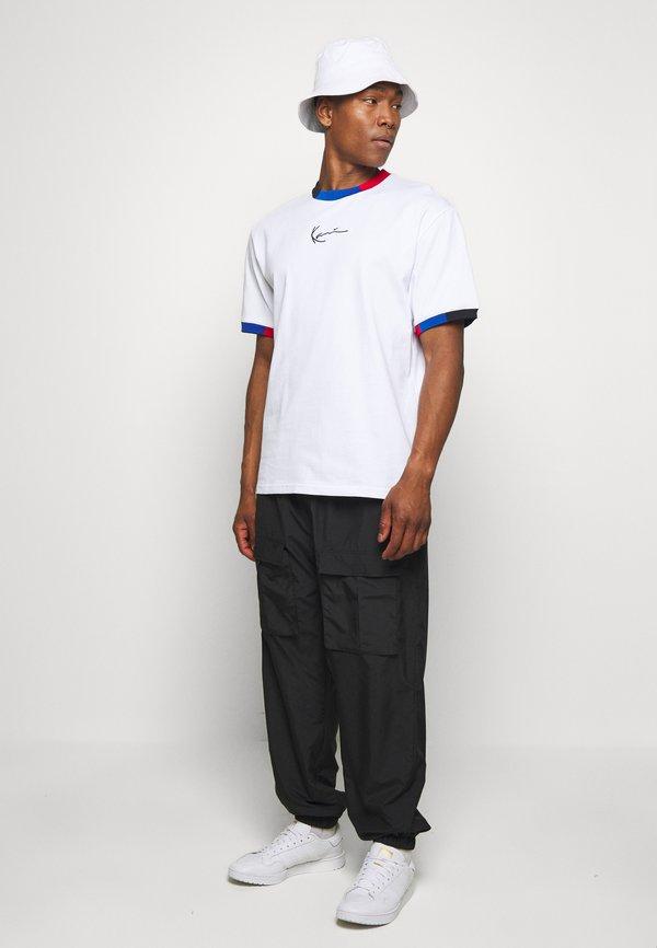 Karl Kani SMALL SIGNATURE BLOCK TEE - T-shirt z nadrukiem - white/biały Odzież Męska MAZY