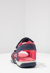 Timberland - ADVENTURE SEEKER 2 STRAP - Chodecké sandály - navy/pink - 3