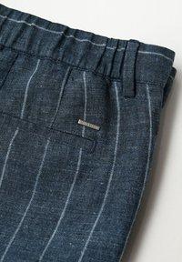 Mango - Shorts - dunkles marineblau - 7