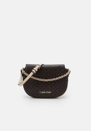 SADDLE BAG CHAIN - Torebka - brown
