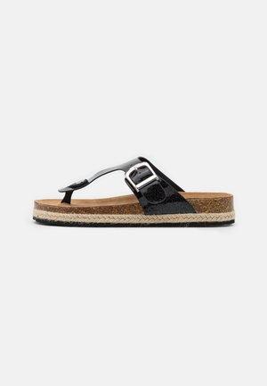 FLEETWOOD TPOST - T-bar sandals - black