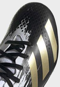 adidas Performance - PREDATOR 20.3 FOOTBALL BOOTS MULTI GROUND - Moulded stud football boots - ftwwht/goldmt/cblack - 6