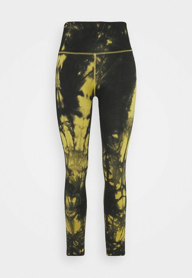 TIE DYE SEAMLESS LEGGING - Collants - golden olive