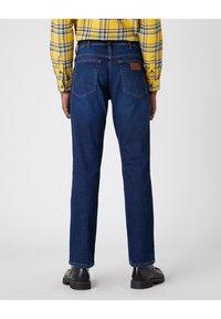 Wrangler - TEXAS - Jeans straight leg - straight shot - 2