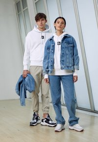 Calvin Klein Jeans - JACKET UNISEX - Spijkerjas - bright blue - 4