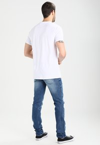 Tommy Jeans - SCANTON BEMB - Jeans slim fit - berry mid blue comfort - 2