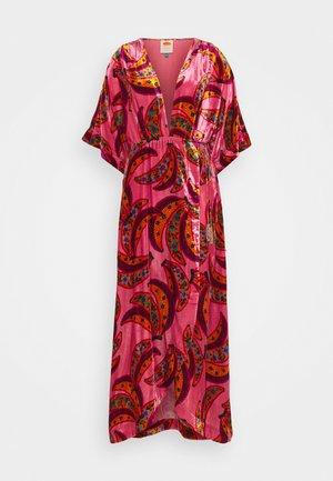 BANANA FLOWERS WRAP DRESS - Maxi šaty - multi
