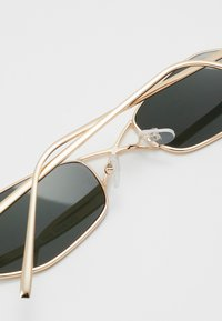Only & Sons - ONSSUNGLASSES - Sonnenbrille - gold coloured - 2