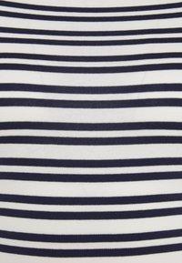 GAP - BATEAU - Print T-shirt - navy stripe - 2