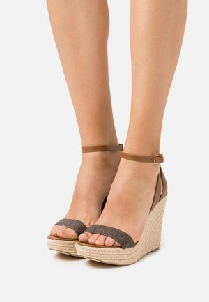 KIMBERLY WEDGE - High heeled sandals - brown/luggage