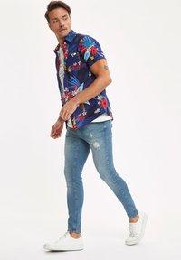 DeFacto - Slim fit jeans - green - 1