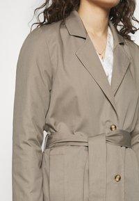 Progetto Quid - PERVINCA - Trenchcoat - light brown - 6