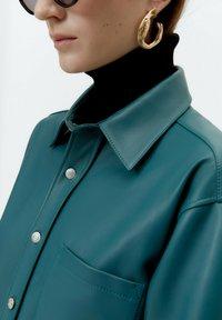 Uterqüe - Leather jacket - green - 3