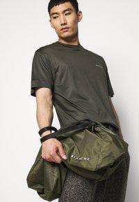 Emporio Armani - Basic T-shirt - dark green - 5