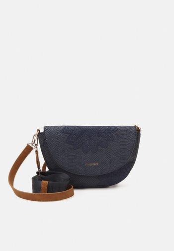 BOLS SUMMER AQUILES BREMEN - Across body bag - blue