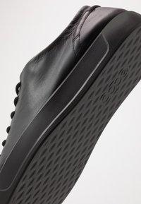 ECCO - SOFT 8 - Sneakersy niskie - black - 5