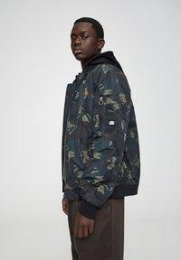 PULL&BEAR - Light jacket - mottled dark green - 3