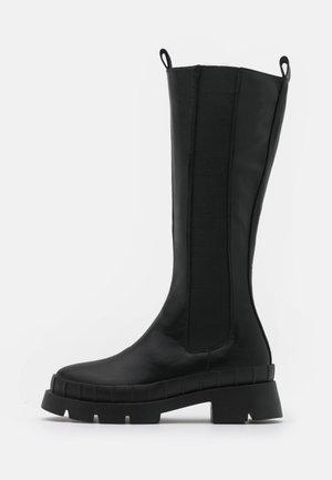 TINKER - Platåstøvler - black