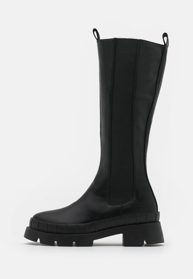 TINKER - Stivali con plateau - black