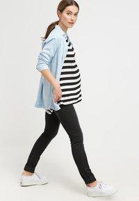 LOVE2WAIT - SOPHIA - Slim fit jeans - charcoal - 1