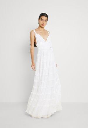 MARY - Společenské šaty - cream