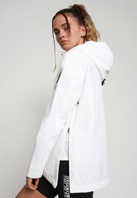 Napapijri - RAINFOREST SUMMER - Winter jacket - bright white - 3