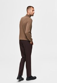 Selected Homme - Suit trousers - winetasting - 2