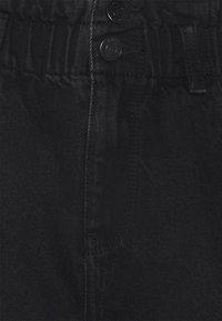 Vero Moda - Shorts di jeans - black - 2