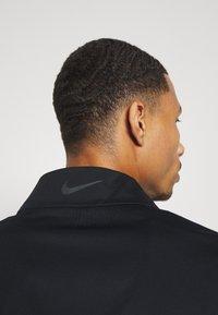 Nike Golf - HYPERSHIELD RAPID ADAPT 2-IN-1 - Waterproof jacket - black/dark smoke grey - 6