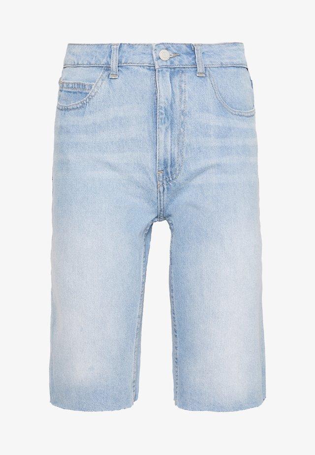 NMBE BERMUDA  - Shorts vaqueros - light blue denim