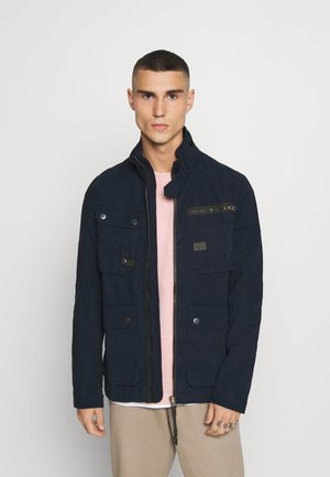 UTILITY WASHED FIELD - Summer jacket - mazarine blue