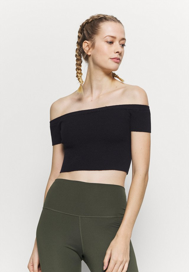 CROPPED - Top - black