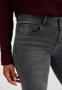 WE Fashion - DAMES  - Slim fit jeans - light grey - 3