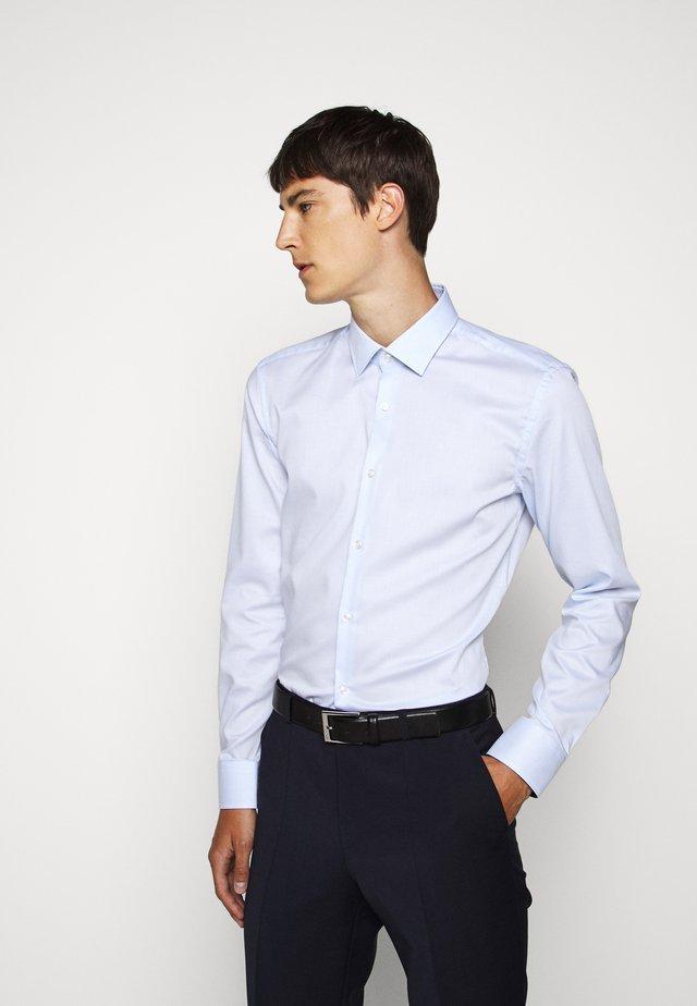 KOEY - Camicia elegante - light pastel blue