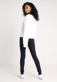 Levi's® - INNOVATION SUPER SKINNY - Jeans Skinny Fit - celestial rinse - 2