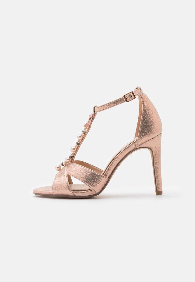 MELODIEE - Sandaalit nilkkaremmillä - pink metallic