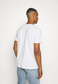 Esprit - TEE - Basic T-shirt - off white - 2