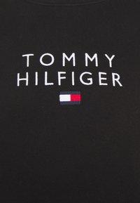 Tommy Hilfiger - STACKED FLAG CREWNECK - Sweatshirt - black - 6