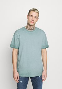Only & Sons - ONSMILLENIUM LIFE  - T-shirt - bas - silver blue - 0
