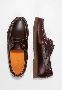 Timberland - SEABURY CLASSIC EYE BOAT - Boat shoes - dark brown - 1
