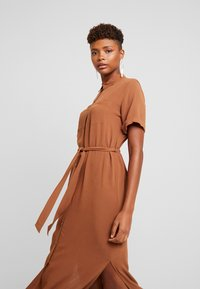 Envii - ENSILJAN DRESS - Shirt dress - toffee - 4