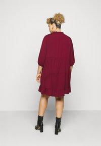 New Look Curves - HERRINGBONE SMOCK DRESS - Denní šaty - rust - 2