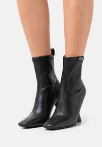 Versace Jeans Couture - Classic ankle boots - nero - 0