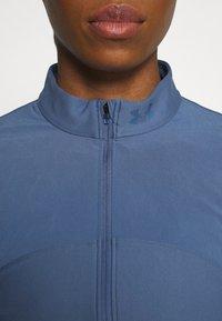 Under Armour - QUALIFIER HALF ZIP DAMEN - Sports shirt - mineral blue - 5