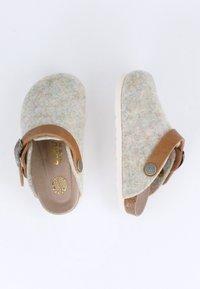 Genuins - Slippers - grün - 1