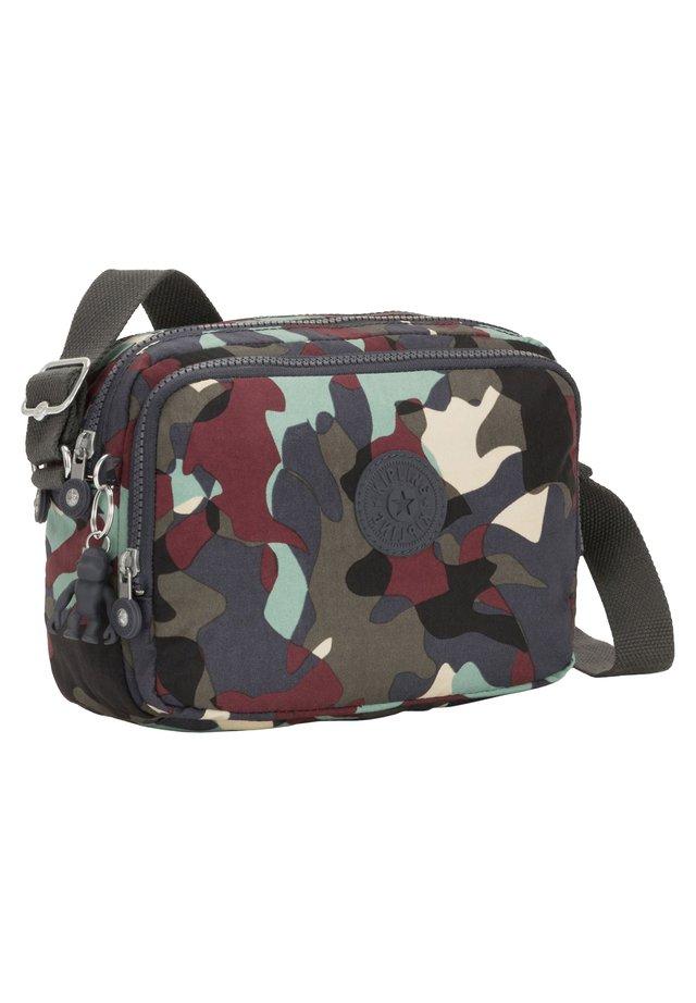 SILEN  - Across body bag - camo large [p35]
